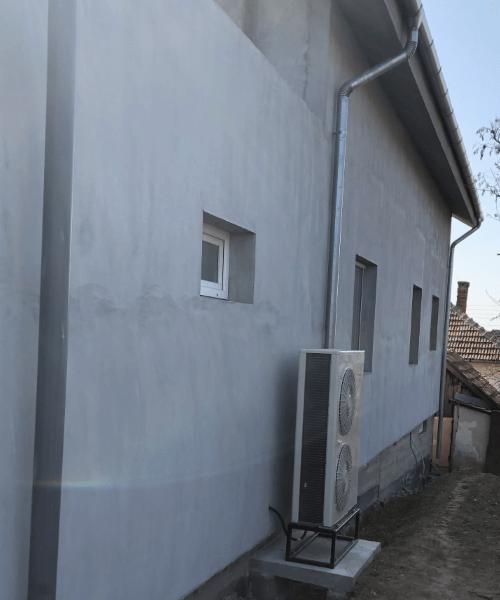 Pompa montata in Romania